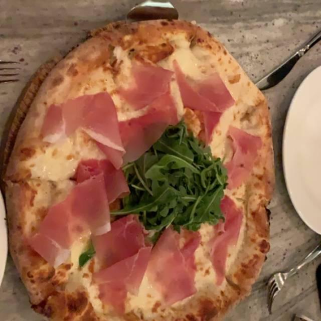 La Strada Dolci e Caffe - Italian Bistro, Birmingham, MI