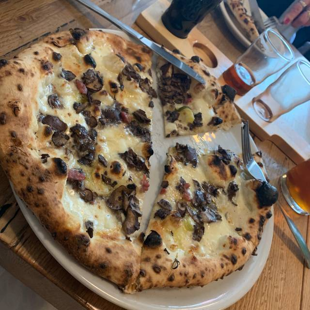 Fireflour Pizza