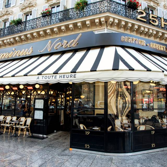 Little Palace Hotel A Parigi, Francia A Partire Da 109