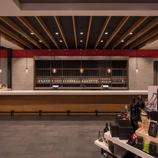 Cooper's Hawk Winery & Restaurant - Naples