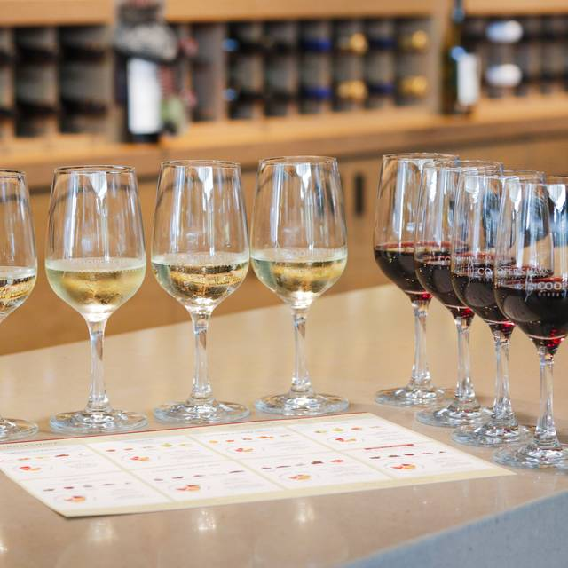 Cooper's Hawk Winery & Restaurant - iDrive