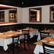 photo of heirloom tavern restaurant