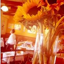 photo of fume bistro & bar restaurant