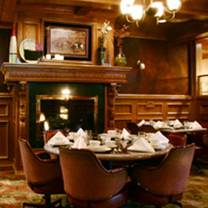 photo of fox's restaurant and pub - oak lawn restaurant
