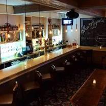 photo of aperitif bistro - bayside restaurant