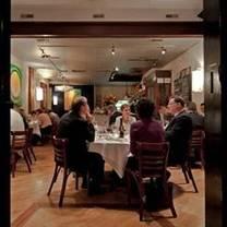 photo of elaine's on franklin restaurant