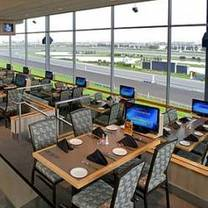 photo of post parade dining room at woodbine restaurant