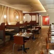 photo of la mezzaluna restaurant
