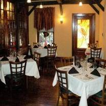 photo of chef's table at the edgewater restaurant