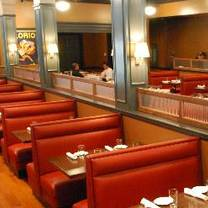 photo of table 100 restaurant