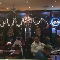 foto van noche mexicana restaurant