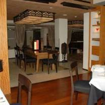 photo of maize restaurant of newark restaurant