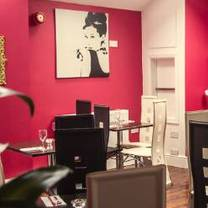 photo of robin 7 restaurant