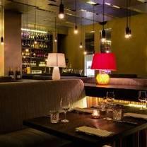 foto von goldener pudel restaurant