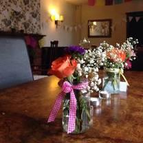 photo of the rose and crown sandridge restaurant