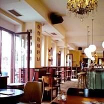foto von schwan am burgplatz restaurant