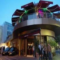 foto von mantis bar & grill restaurant