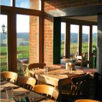 photo of the five horseshoes restaurant