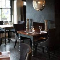 photo of the foresters - farnham common restaurant