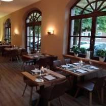 foto von gusto natural modern. grill. restaurant