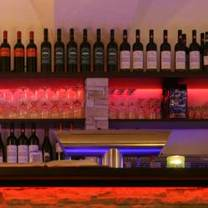 photo of pomodoro pizzeria & bar restaurant
