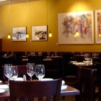 photo of blades' bistro restaurant