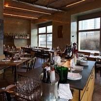 foto von rotisserie weingrün restaurant