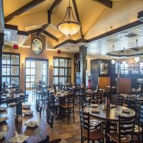 photo of home run inn pizza - darien restaurant