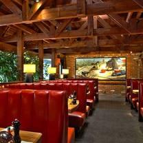 photo of houston's - dallas (beltline) restaurant