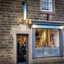 photo of rileys restaurant