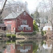 photo of the saddle river inn restaurant