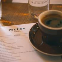 foto von petition kitchen restaurant