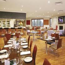 foto von overflow cafe and wine bar restaurant