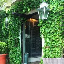 photo of tiny boxwoods restaurant