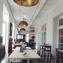 foto von brühler wirtshaus am schloss restaurant