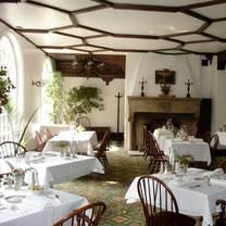 photo of the horned dorset inn restaurant