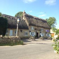 photo of the plough inn finstock restaurant
