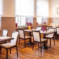 foto von halber mond restaurant restaurant