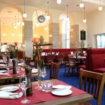 foto von fleming's brasserie & wine bar im intercity hotel münchen restaurant