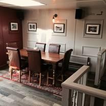 photo of burleigh arms restaurant