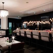 foto von coco & clay restaurant