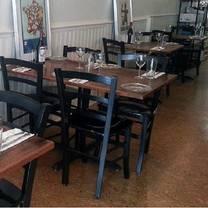foto von cork & table restaurant
