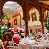 photo of la porte des indes restaurant