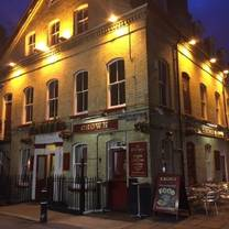 photo of the crown freehouse restaurant