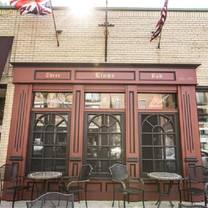 photo of three lions pub restaurant