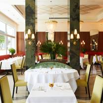 photo of sant ambroeus palm beach restaurant