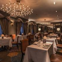 foto von the saddle room at the shelbourne hotel restaurant
