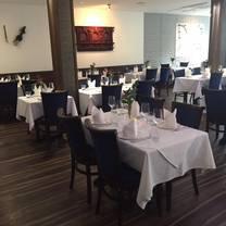 photo of the everest inn restaurant