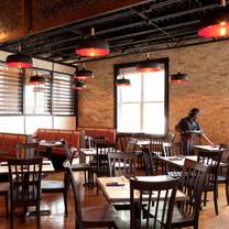 photo of dandan milwaukee restaurant