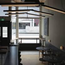 foto von bar von der fels restaurant